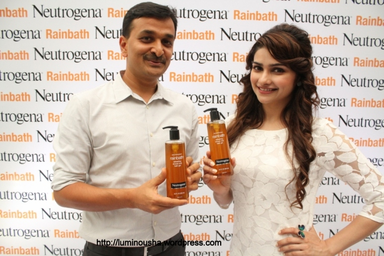 L to R- Mr Ganesh, General Marketing Manager, Johnson & Johnson and Prachi Desai, Neutrogena Brand embassador at the launch of Neutrogena Rainbath Shower Gel